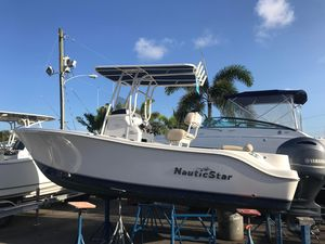 Used Nauticstar 2102 Legacy Center Console Fishing Boat For Sale