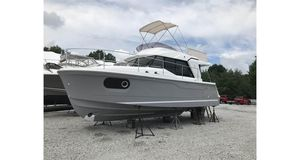 New Beneteau America Swift Trawler 30 Motor Yacht For Sale