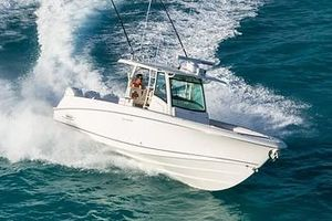 New Boston Whaler 350 Outrage Sports Fishing Boat For Sale