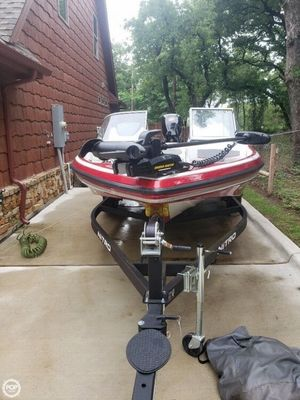 Used Nitro Z19 Bowrider Boat For Sale