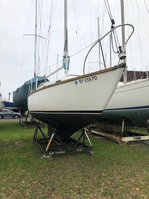 Used Cape Dory 27D Cruiser Sailboat For Sale