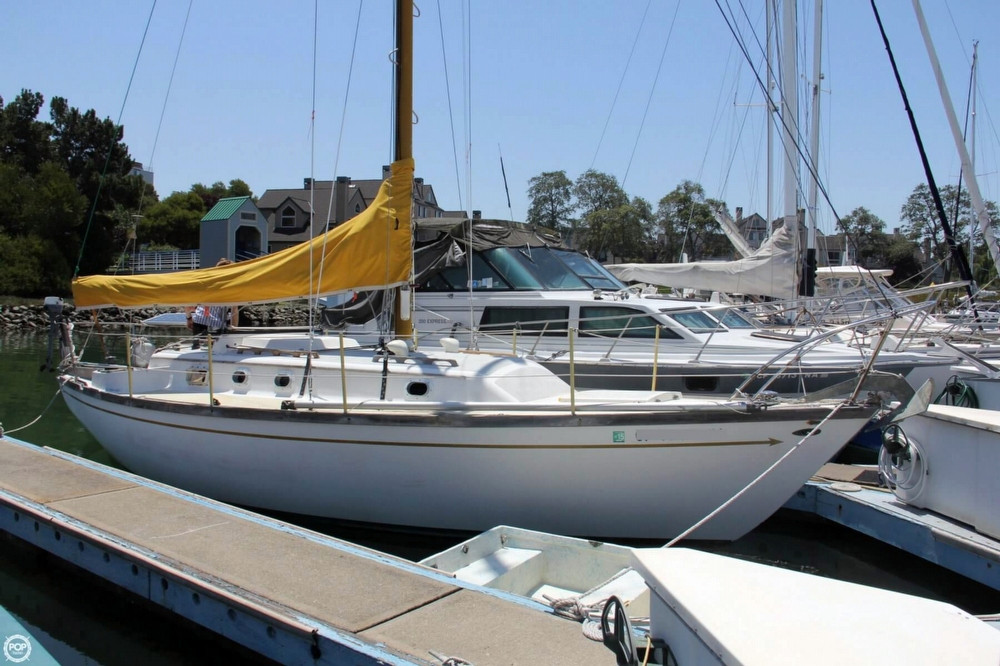 Used Farallon 29 Racer and Cruiser Sailboat For Sale