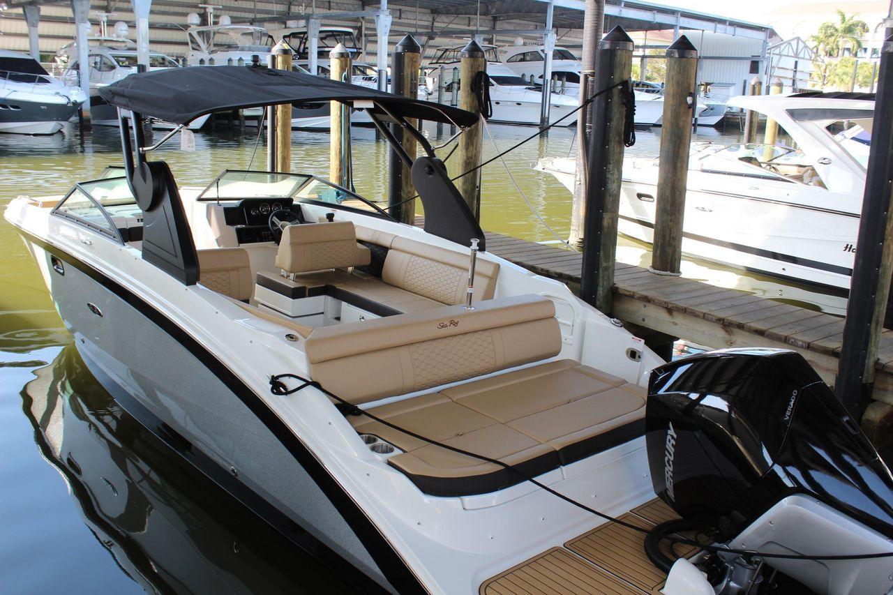 2019 New Sea Ray SDX 270 Outboard Bowrider Boat For Sale