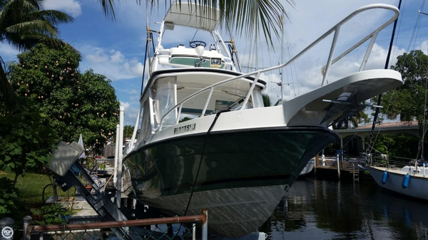 Used Salt Shaker 300 CC Center Console Fishing Boat For Sale