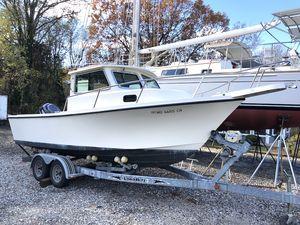 Used Parker 2120 Sport Cabin Cruiser Boat For Sale
