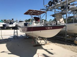 Used Pathfinder 2200-t Sports Fishing Boat For Sale