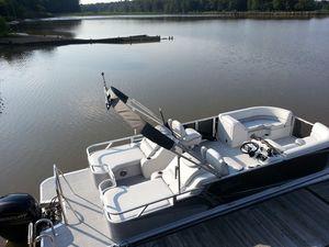 Used Tahoe Pontoon LTZ 2485 Pontoon Boat For Sale