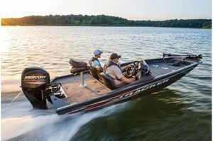 New Tracker PRO TEAM 175 TF w/ MERCURY 60 ELPT 4 STROKEPRO TEAM 175 TF w/ MERCURY 60 ELPT 4 STROKE Bass Boat For Sale