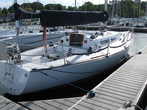 Used J Boats J-35 Racer and Cruiser Sailboat For Sale