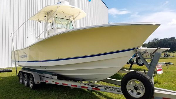 Used Regulator 29 Forward Seating Center Console Fishing Boat For Sale