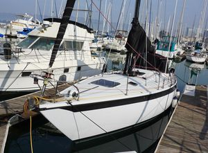 Used Ericson Flushdeck Racer and Cruiser Sailboat For Sale