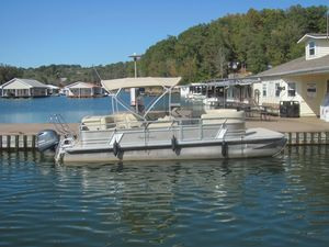 Used Sunchaser Geneva Cruise DS 24 CRS Pontoon Boat For Sale