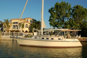 Used Caliber 35 Cruiser Sailboat For Sale