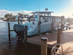 Used Robalo R302 Bowrider Boat For Sale
