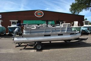 Used Grumman Pontoon - 20' Pontoon Boat For Sale
