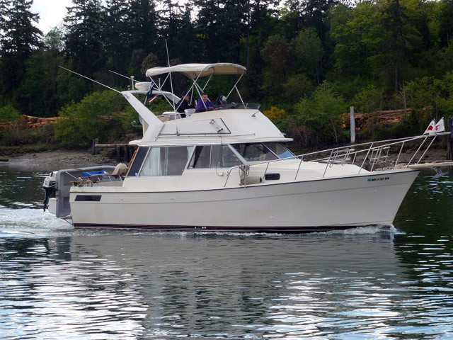 Used Bayliner 3270 Cruiser Boat For Sale