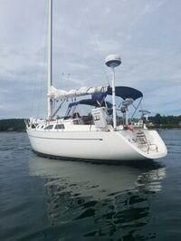 Used Freedom 32 Racer and Cruiser Sailboat For Sale