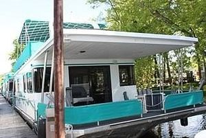 Used Thoroughbred 16 X 56 House Boat For Sale