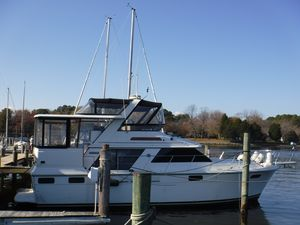 Used Carver Aft Cabin 42 Motor Yacht For Sale