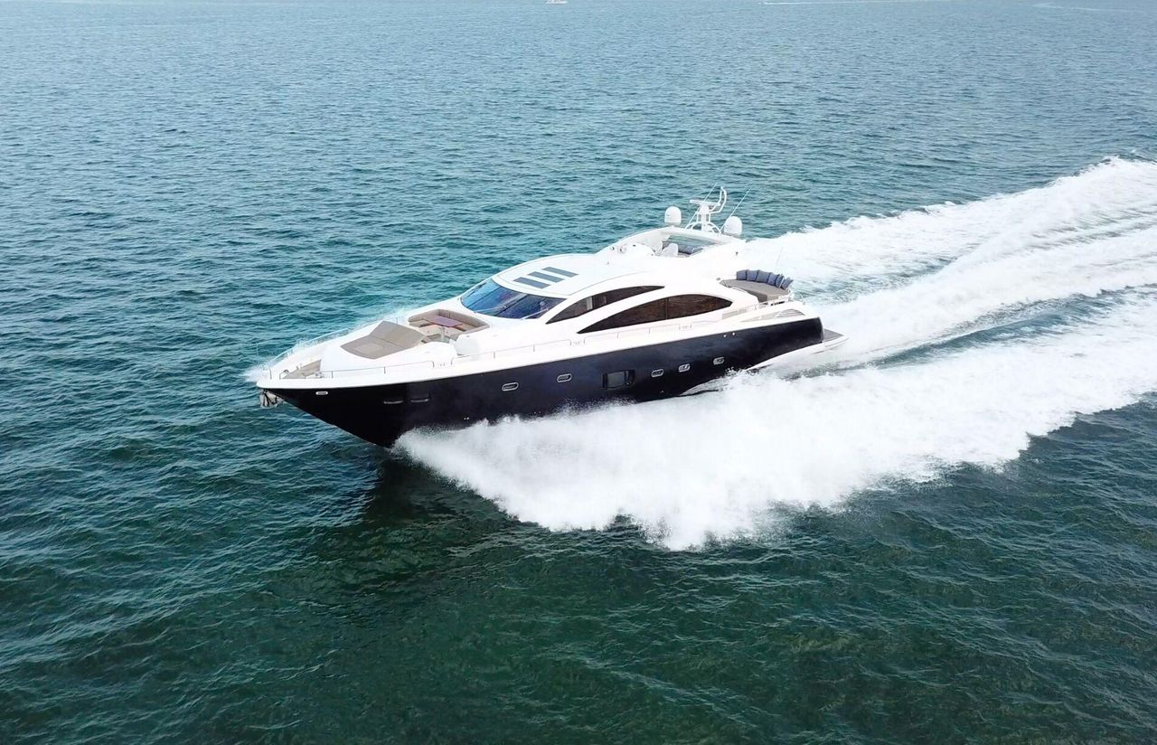 2012 Used Sunseeker Predator 84 Motor Yacht For Sale 3 395 000