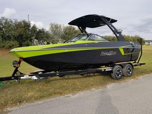 New Malibu Wakesetter 22 MXZWakesetter 22 MXZ Ski and Wakeboard Boat For Sale
