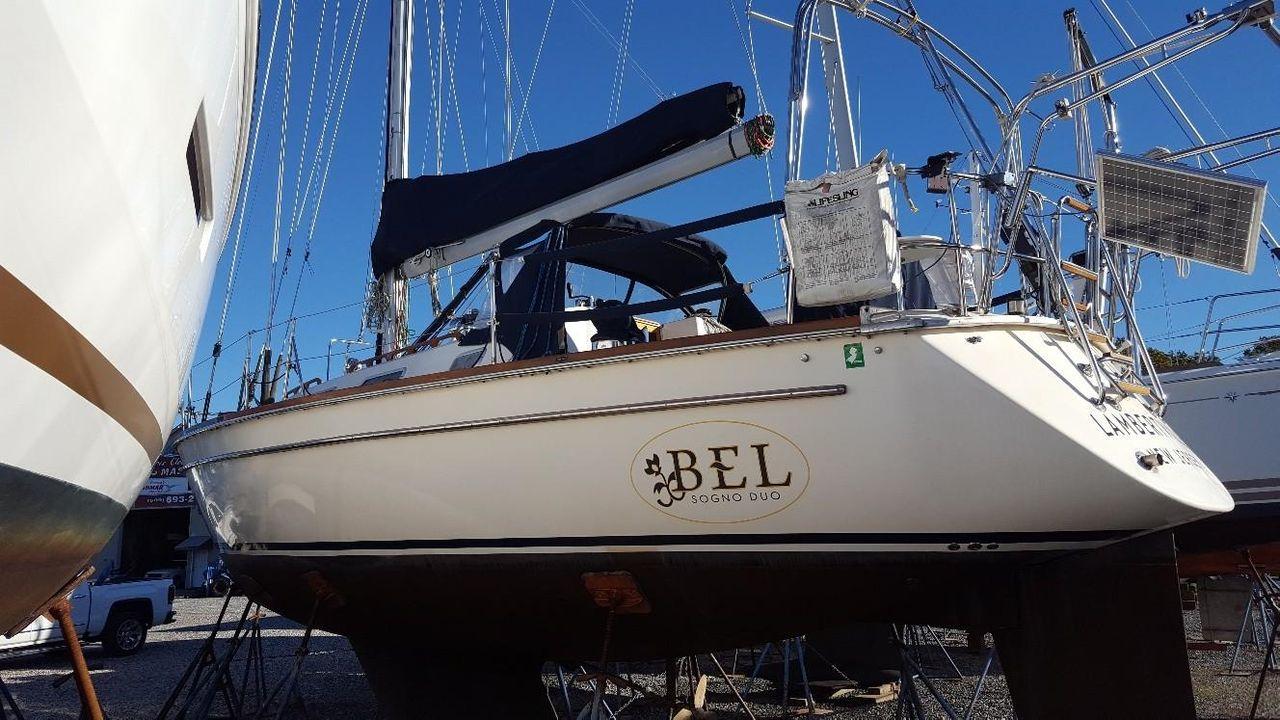 1989 Used Pearson 39 Centerboard Cruiser Sailboat For Sale - $75,500