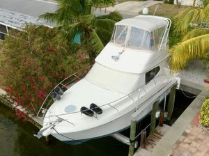 Used Silverton 33 Convertible Motor Yacht For Sale