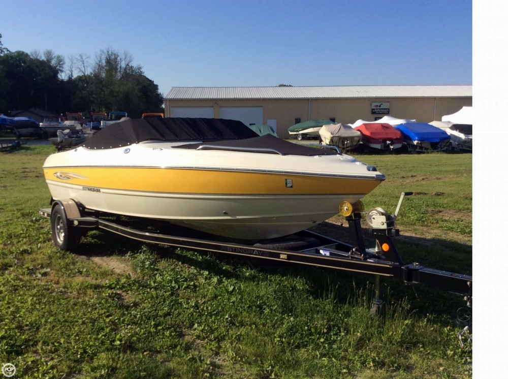 Used Stingray 205 LR Bowrider Boat For Sale