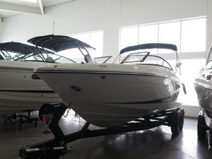 New Sea Ray SLX 230 High Performance Boat For Sale