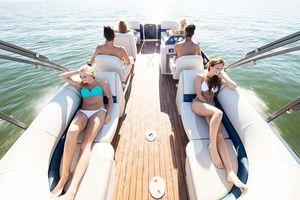 New Manitou 23 Aurora LE RF VP23 Aurora LE RF VP Pontoon Boat For Sale