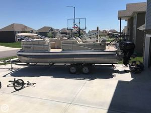 Used Lowe SS230 RFL Pontoon Boat For Sale
