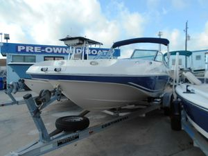 Used Bennington AZURE 211 RLAZURE 211 RL Deck Boat For Sale