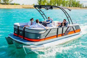 New Crest Caliber 230 SLCCaliber 230 SLC Pontoon Boat For Sale