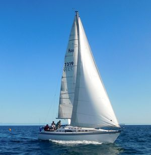 Used Hunter H 31 Daysailer Sailboat For Sale
