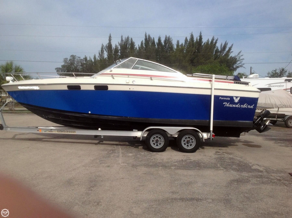 Used Thunderbird/formula 255 Express Cruiser Boat For Sale