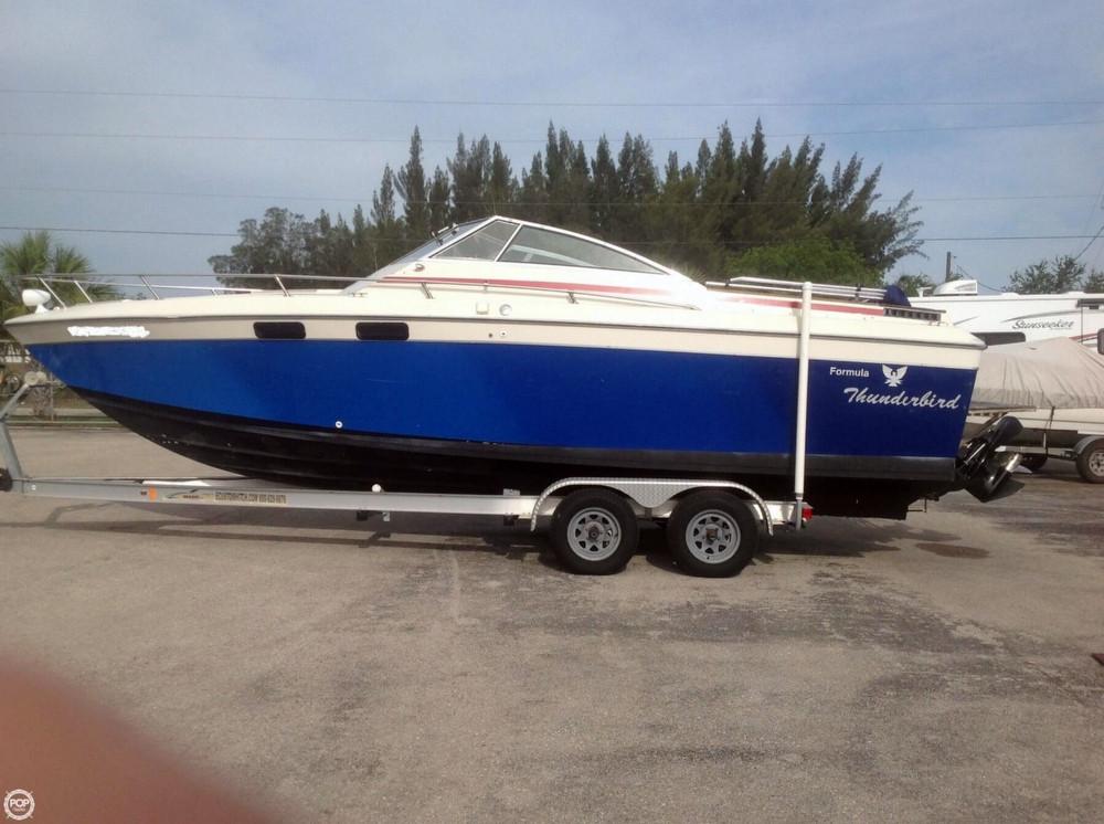 Used Thunderbird/formula 255 Express Cruiser Boat For Sale