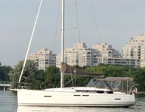 Used Jeanneau 419 Racer and Cruiser Sailboat For Sale