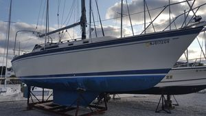 Used O'day 30 Cruiser Sailboat For Sale