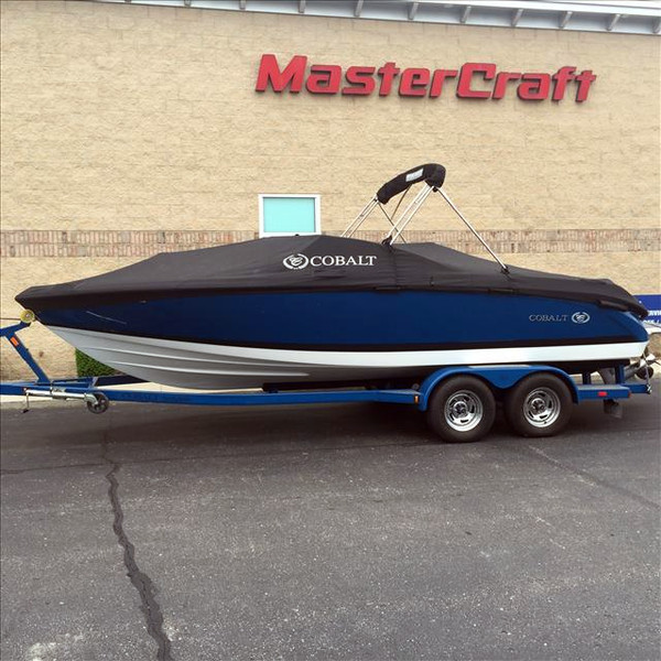 Used Cobalt Boats 10 Series 220 Ski and Wakeboard Boat For Sale