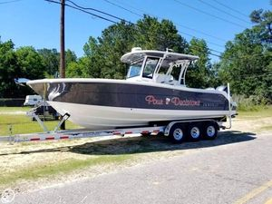 Used Robalo 302 CC Center Console Fishing Boat For Sale