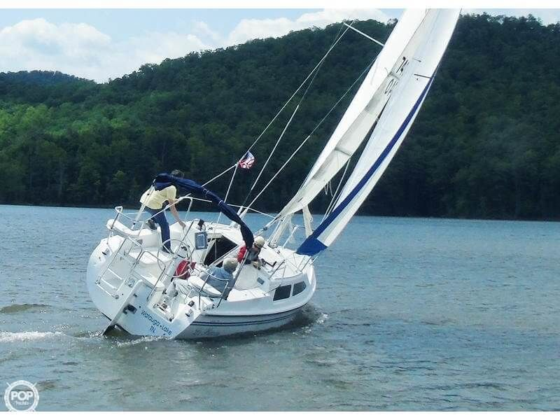 2004 Used Catalina 250 Wing Keel Sloop Sailboat For Sale