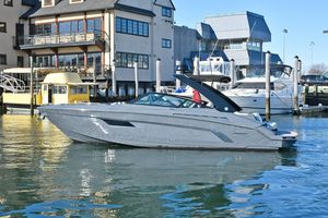 Used Cruisers 338 Bow Rider Cruiser Boat For Sale