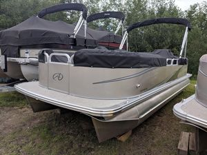 New Avalon QL Pontoon Boat For Sale