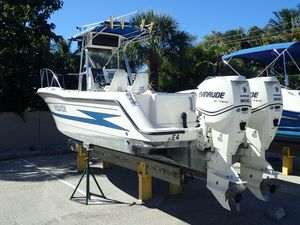 Used Hydra-Sports Vector with Twin 2010 E-TEC'sVector with Twin 2010 E-TEC's Center Console Fishing Boat For Sale