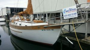 Used Young Sun 35' Cruiser Sailboat For Sale