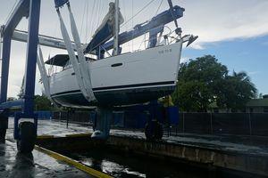 Used Beneteau 40 Oceanis Sloop Sailboat For Sale
