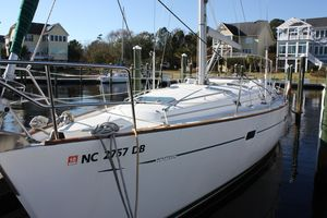 Used Beneteau 411 Sloop Sailboat For Sale