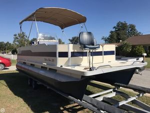 Used Fiesta 20 Fish and Fun Pontoon Boat For Sale
