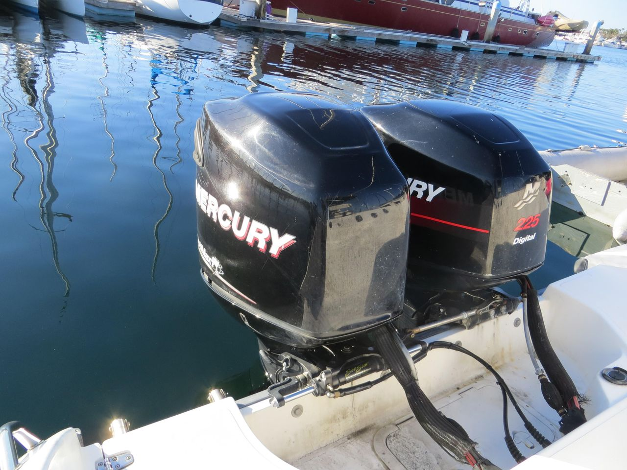 1999 Used Boston Whaler 26 Outrage Center Console Fishing
