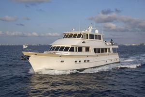 Used Outer Reef Yachts 860 Deluxbridge Skylounge Motor Yacht For Sale